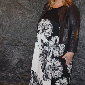jurk Alenbika zwart/wit bloem